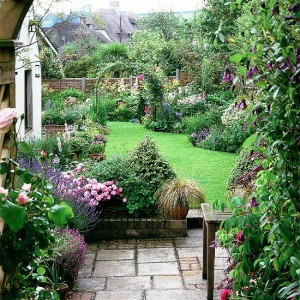6-country-style-garden-ideas1